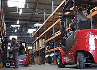 Safe operating distance - forklifts & pedestrians